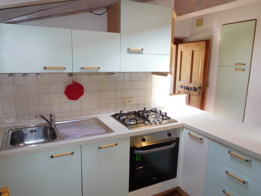 Küche im Eingangsbereich - Top Mansarde