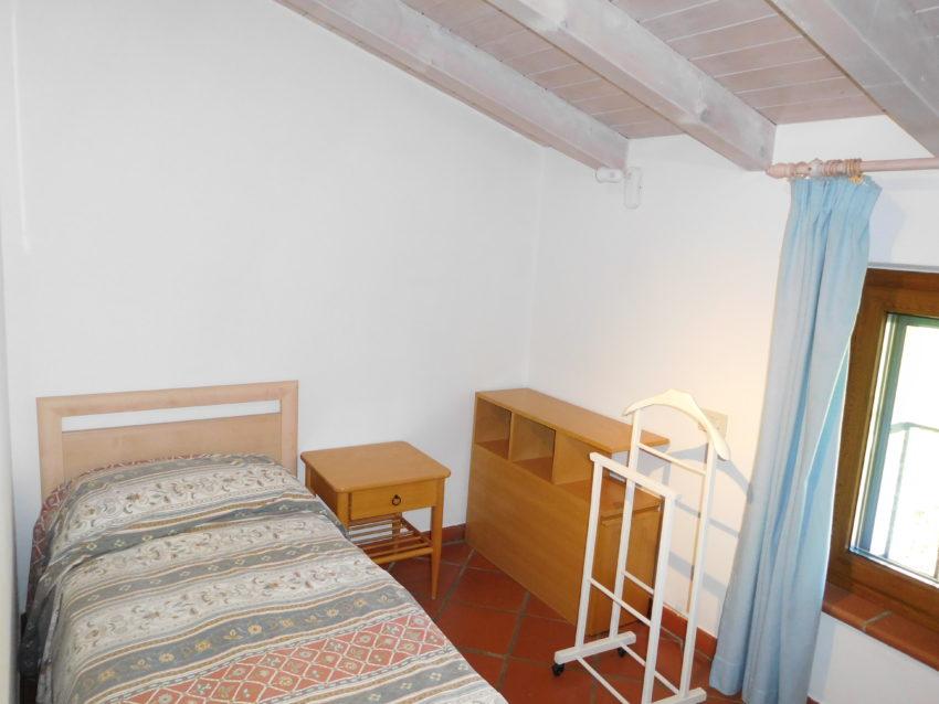 Einzelbett - Zugang vom 2Bett-Zi. - Top Mansarde