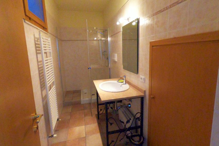 Bagno con doccia - 2. camera da letto