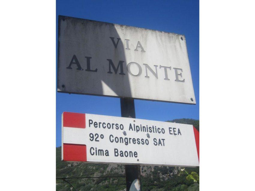 Straßenschild via al Monte - Casa Birti