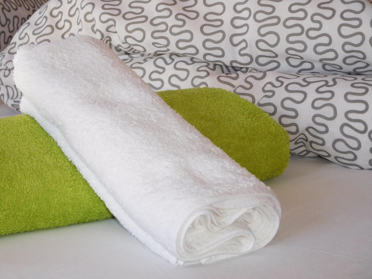 Frische Bettwäsche und Handtücher - Service vor Ort für Ferienwohnungen und Ferienhäuser