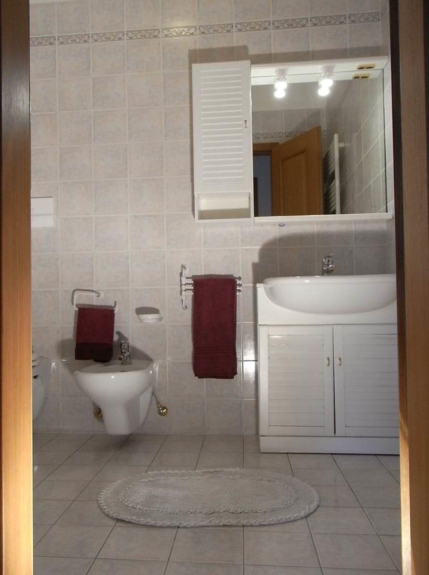 2. Bad mit Dusche Casa Serena EG